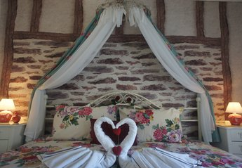 Cottage in Germany, Daun: Romantic main bedroom