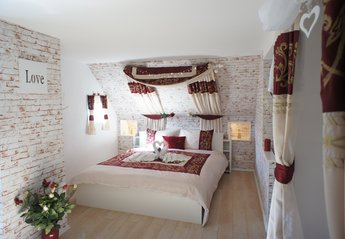 House in Germany, Daun: Romantic main bedroom