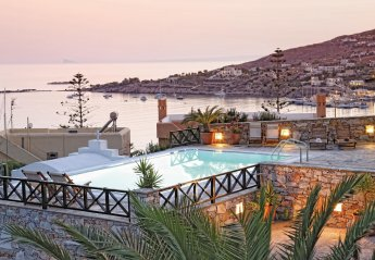 Villa in Greece, Syros