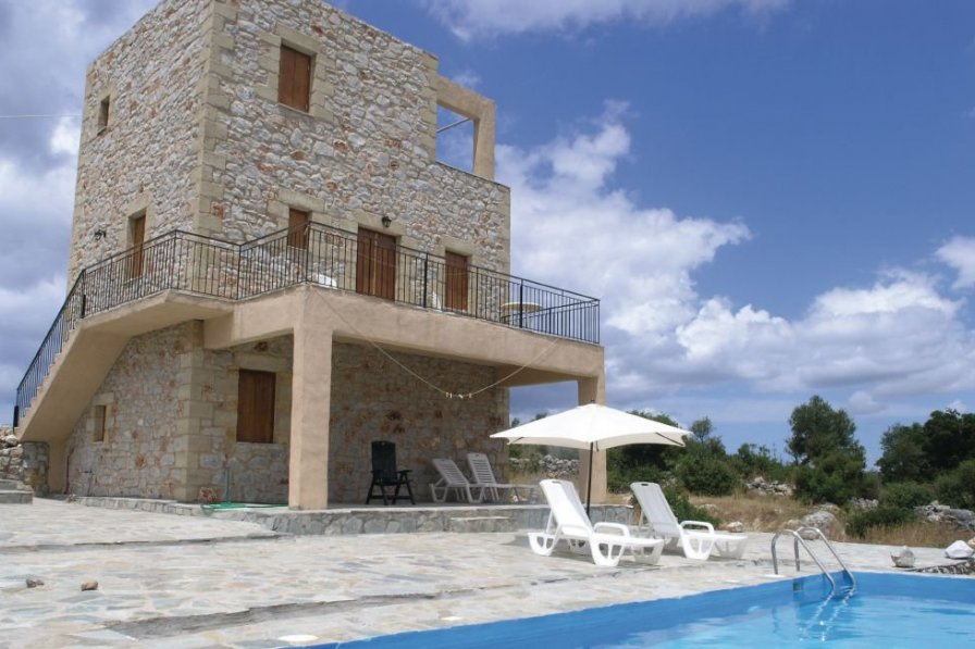 Villa in Greece, Peloponnese: parasol, swimmingpool