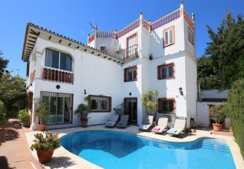 Villa in Spain, Nueva Andalucía: Large Villa with Private pool