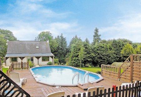 Villa in Saint-Tugdual, France:
