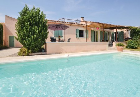 Villa in Maubec, the South of France