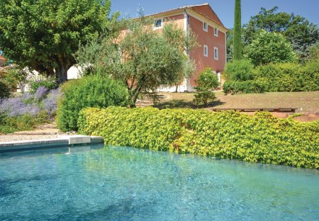 Villa in Saint-Saturnin-lès-Apt, the South of France