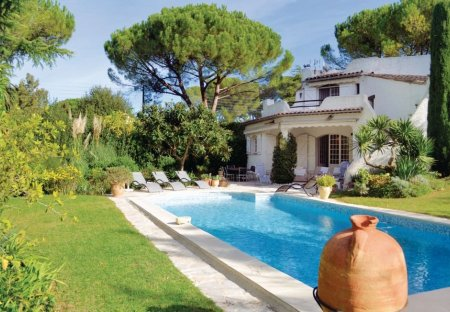 Villa in Saint-Martin-Le Miracle, the South of France