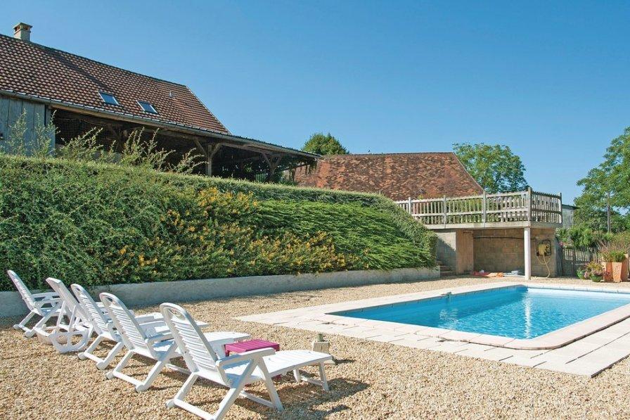 Villa in France, Sarrazac