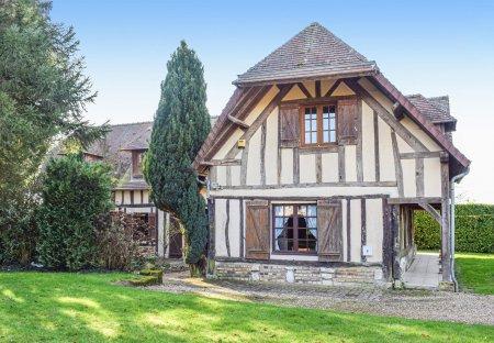 Villa in Bosroumois, France