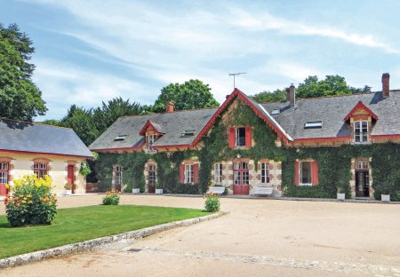 Villa in Aulnay-Exterieurs, France