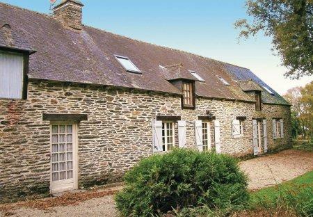 Villa in Saint-Mayeux, France