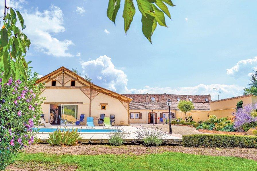 Villa in France, Saint-Pierre-d'Eyraud