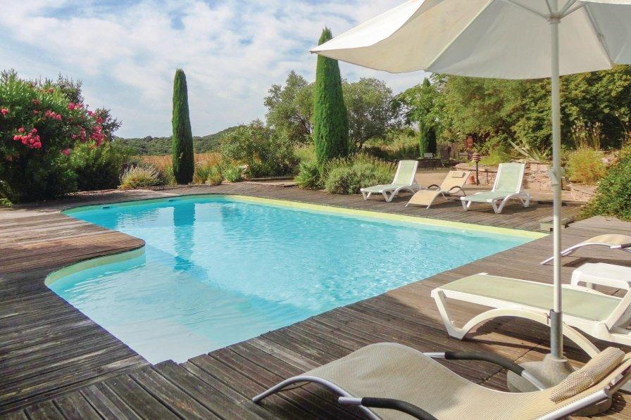 Villa in France, Montesquieu