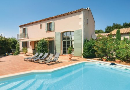 Villa in Les Ecarts, the South of France