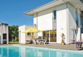 Villa in France, Montussan