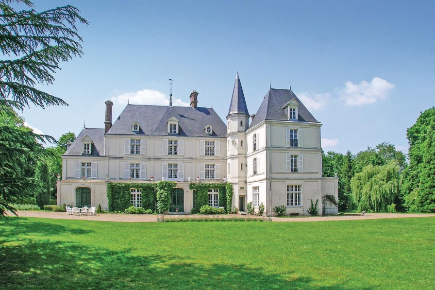 Villa in France, Allonne