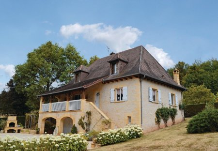 Villa in Le Lardin-Saint-Lazare, France