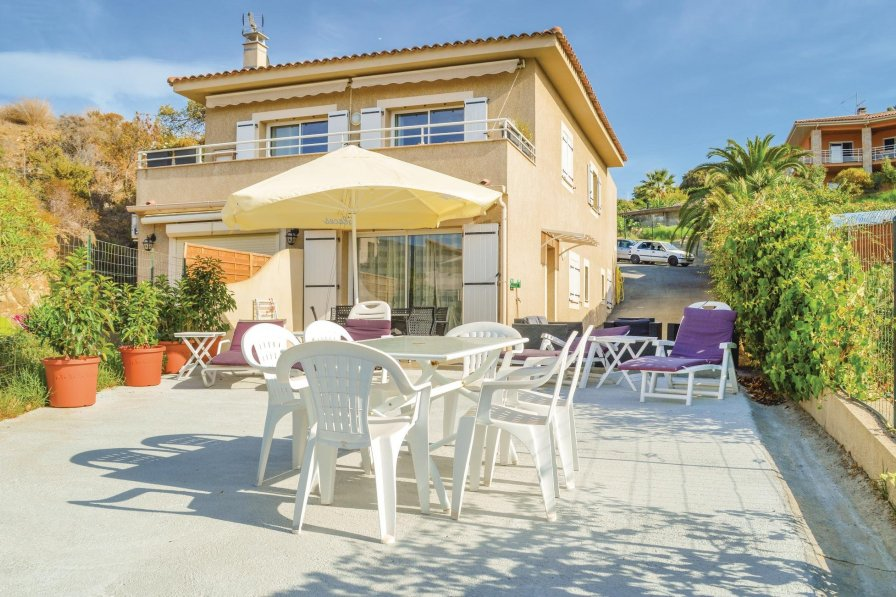 Apartment in France, Propriano