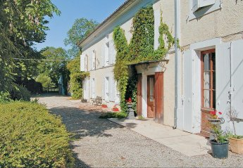 Villa in France, Cressé