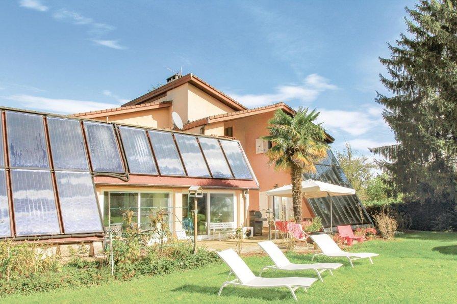 Villa in France, Saint-Étienne-de-Saint-Geoirs