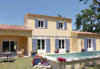 3 bedroom Villa for rent in Velleron