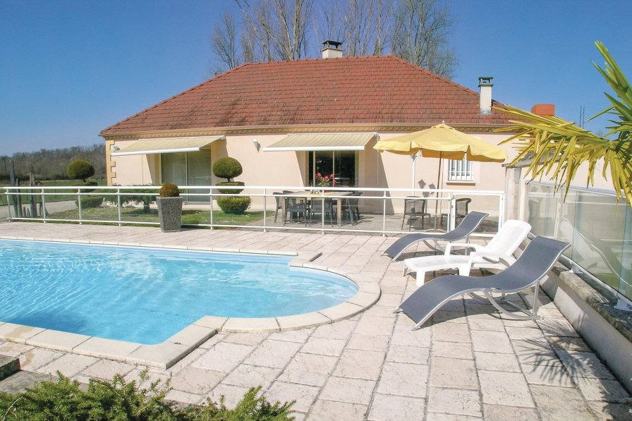 Villa in France, Pazayac