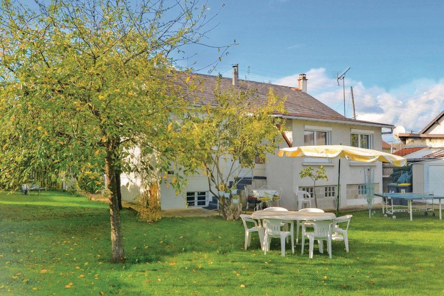 Villa To Rent In Athis Mons France 192971