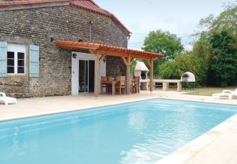 Villa in France, Tasque