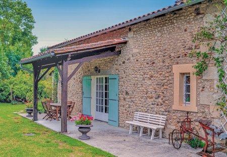 Villa in Vanxains, France