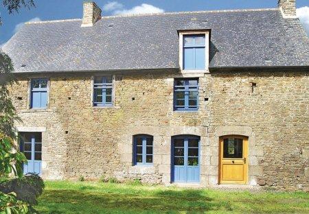 Villa in Saint-Pierre-de-Plesguen, France