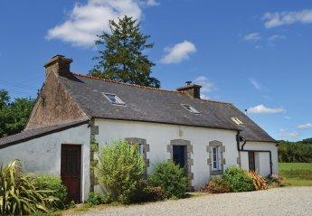 Villa in France, Poullaouen