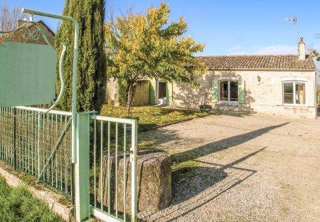 Villa in Saint-Méard-de-Gurçon, France