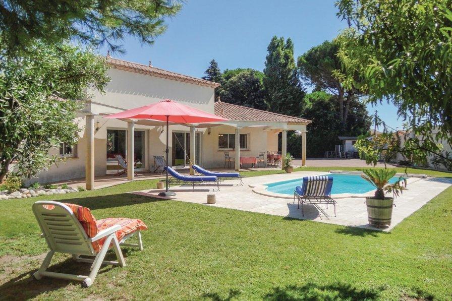 Villa in France, Fleury