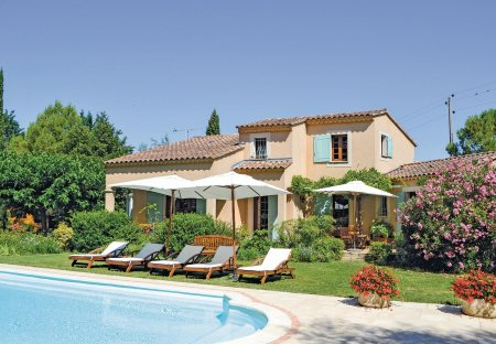 Villa in Althen-des-Paluds, the South of France