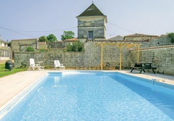 Villa in France, Neuvicq-le-Château: