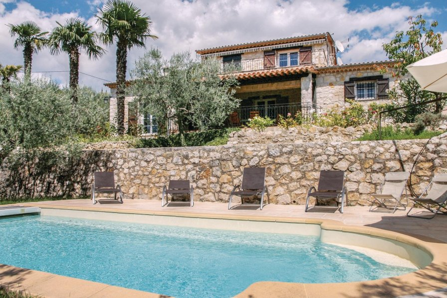 Holiday villa in Tourrettes with swimming pool