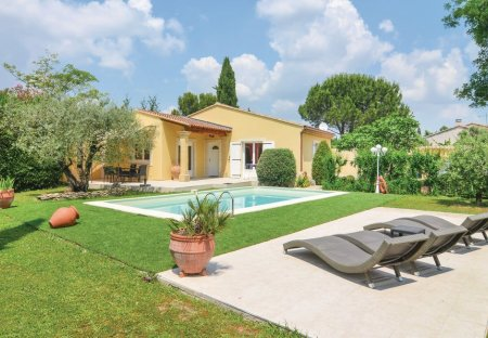 Villa in Cabannes, the South of France
