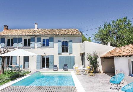 Villa in Sérignan-du-Comtat, the South of France
