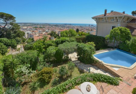 Villa in Caraussane-Jean Vilar, the South of France