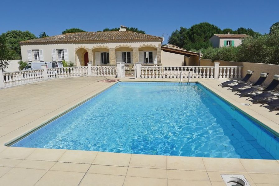 Villa in France, Sernhac