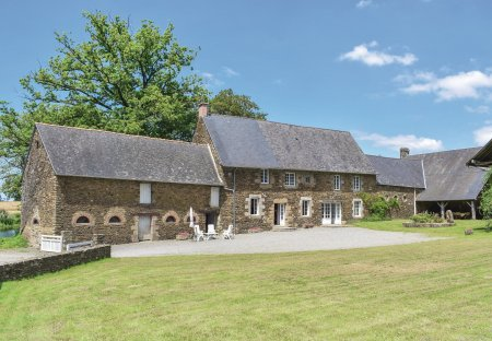 Villa in Saint-James, France