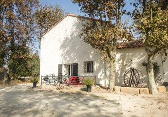 Villa in France, Ecarts