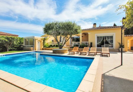 Villa in Salon Ouest, the South of France