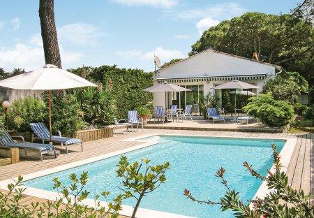 Villa in Sainte-Marie-de-Ré, France