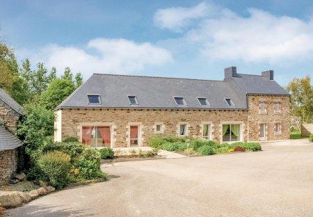 Villa in Le Bodéo, France