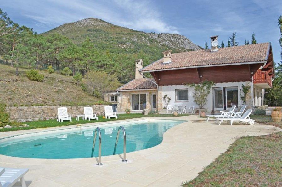 Villa in France, La Bastide