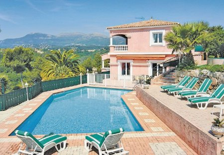 Villa in Le Nord-Est, the South of France