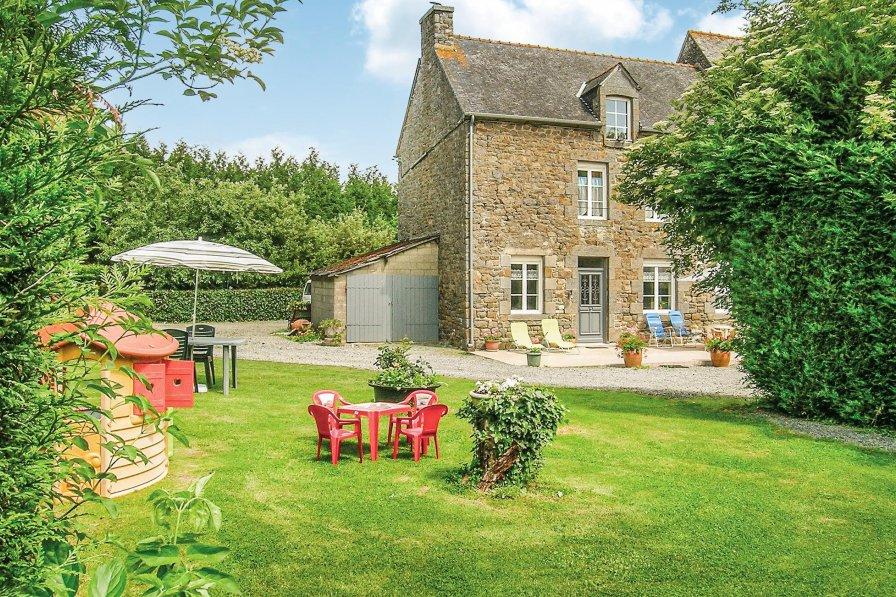 Villa in France, Évran