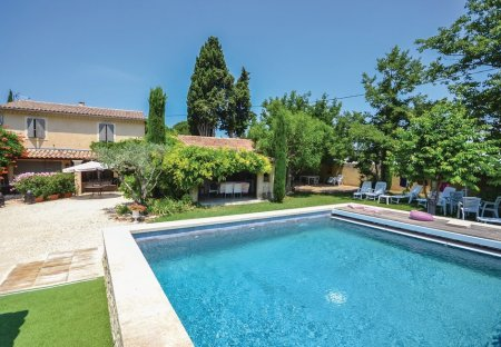 Villa in Loriol-du-Comtat, the South of France