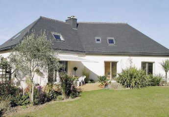 Villa in France, Saint-Eloi-Les Rosaires: