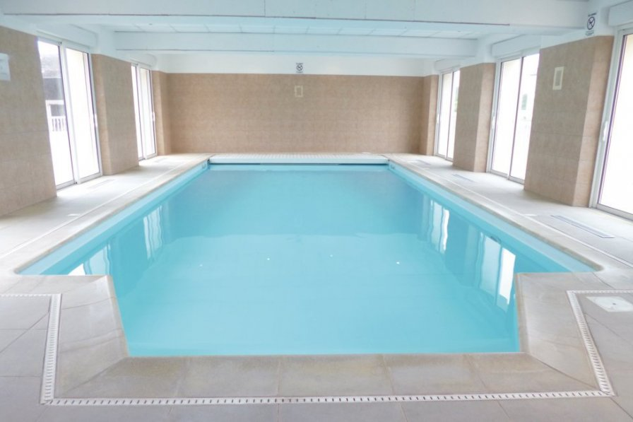 Holiday villa in Seine-et-Marne with pool