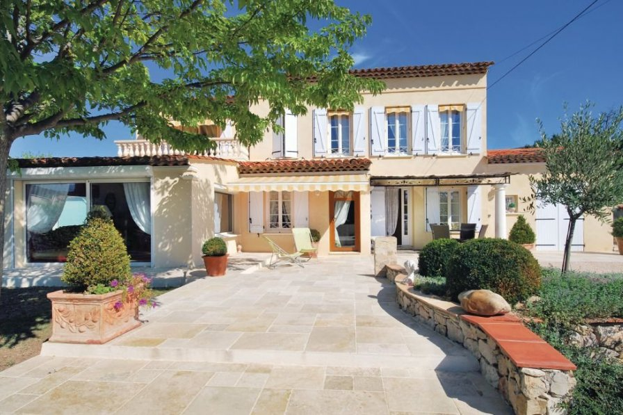 Villa rental in Draguignan with swimming pool